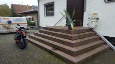 Treppenlift für den Außenbereich gerade oder kurvig